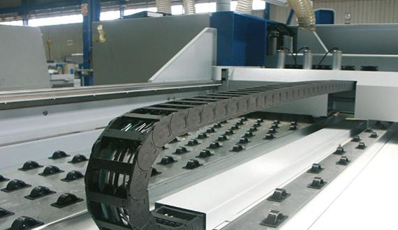 chainflex-Steuerleitung-Holzbearbeitung